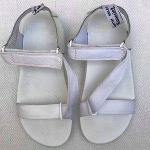 dr martens 7 white sandals